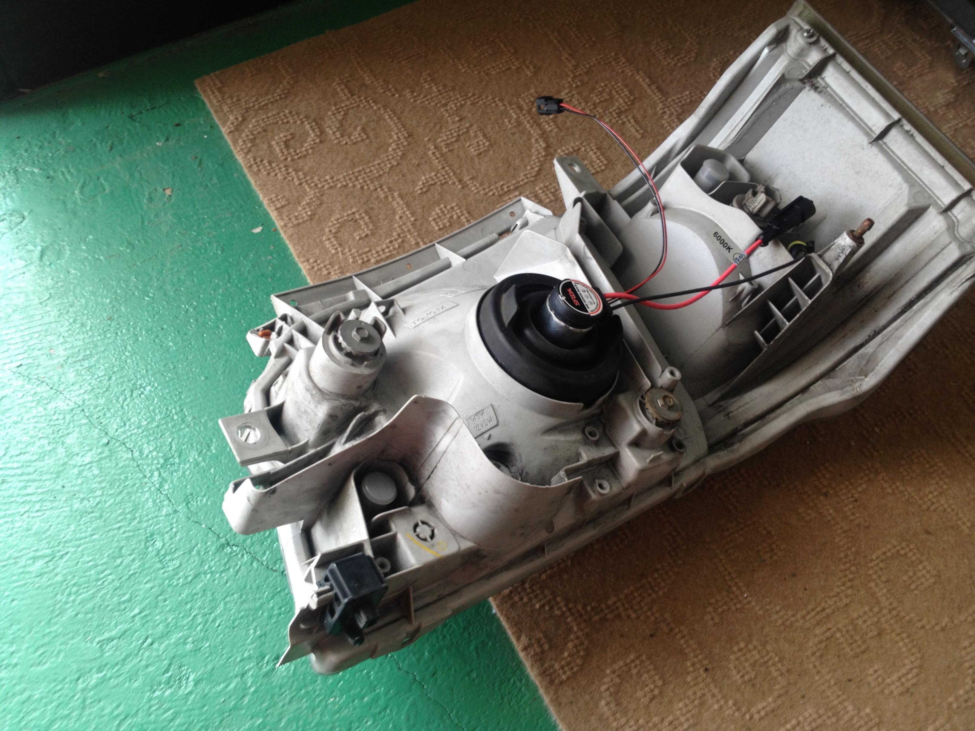 ハイエース200系ヘッドライトユニット