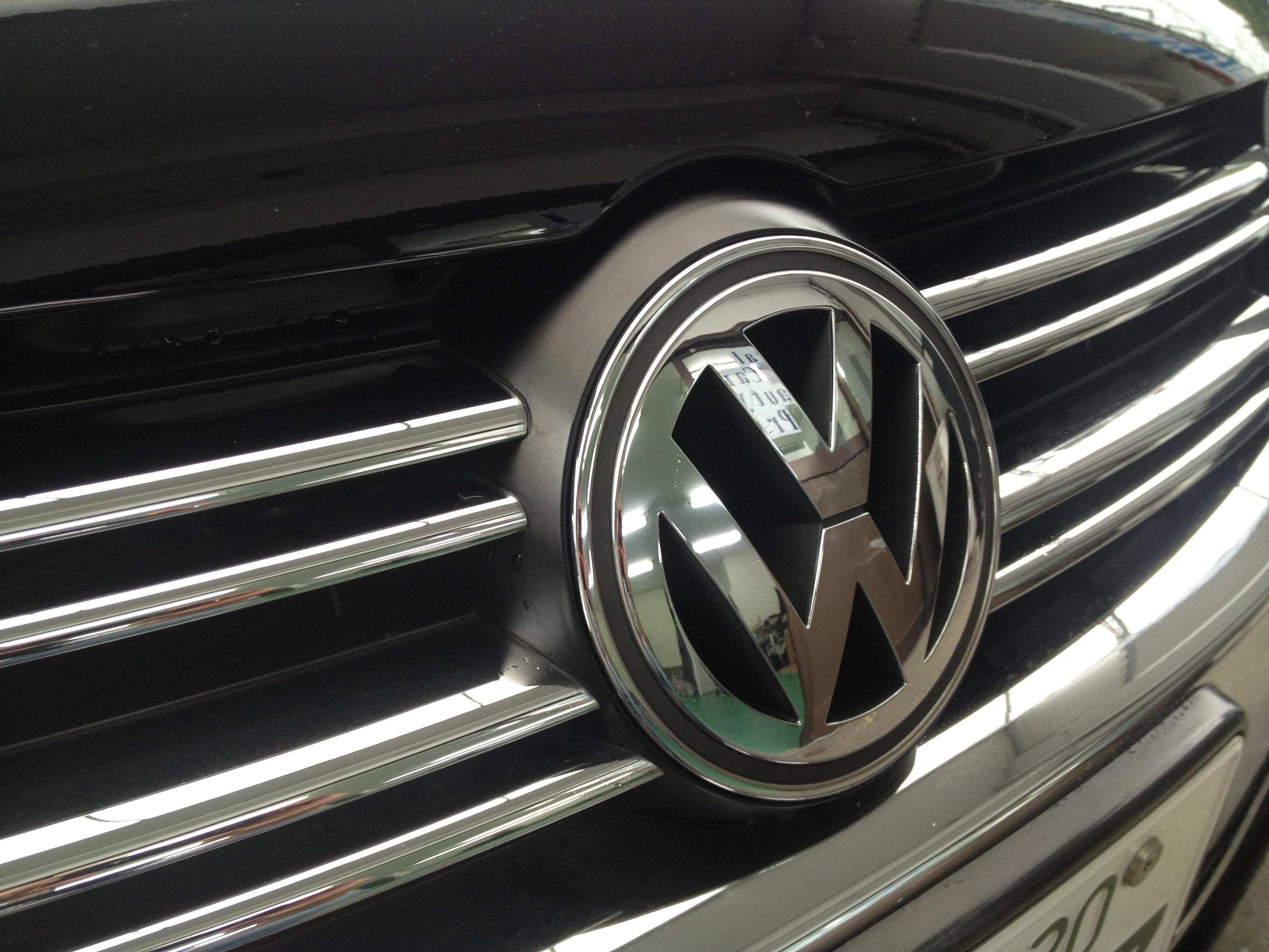 VWフォルクスワーゲン・フロントエンブレム