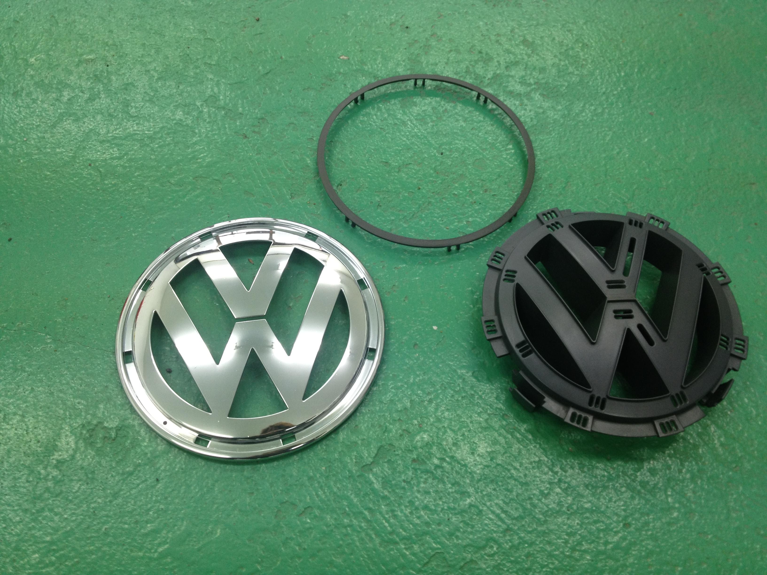VWフォルクスワーゲンフロントエンブレム分解