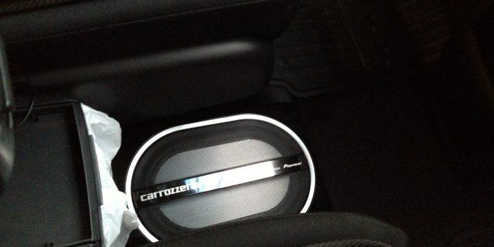 カロッツェリアTS-WX110Aサブウーハーをホンダフリードスパイクへお取付け。