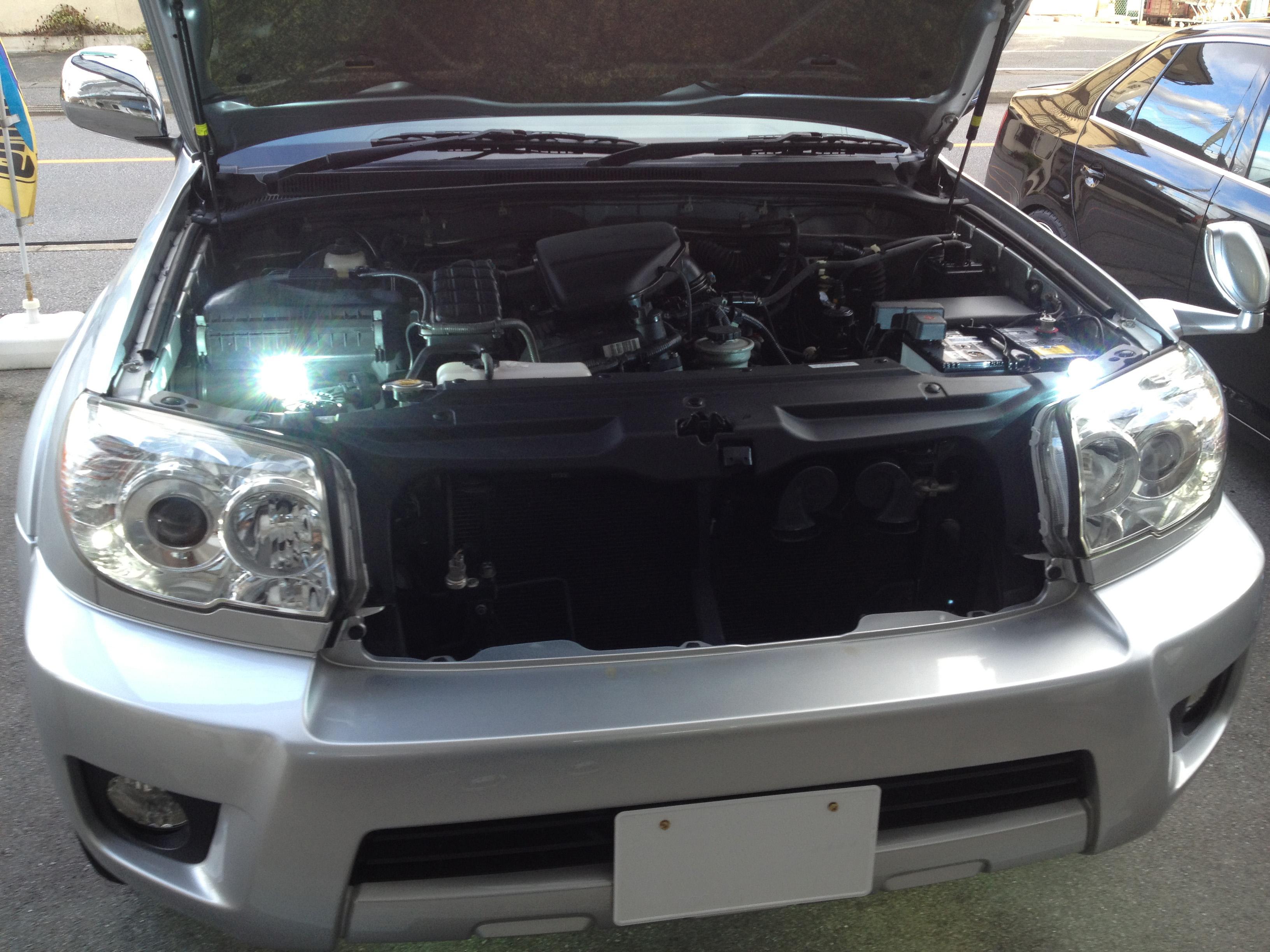 トヨタハイラックスサーフのヘットライトのHID化
