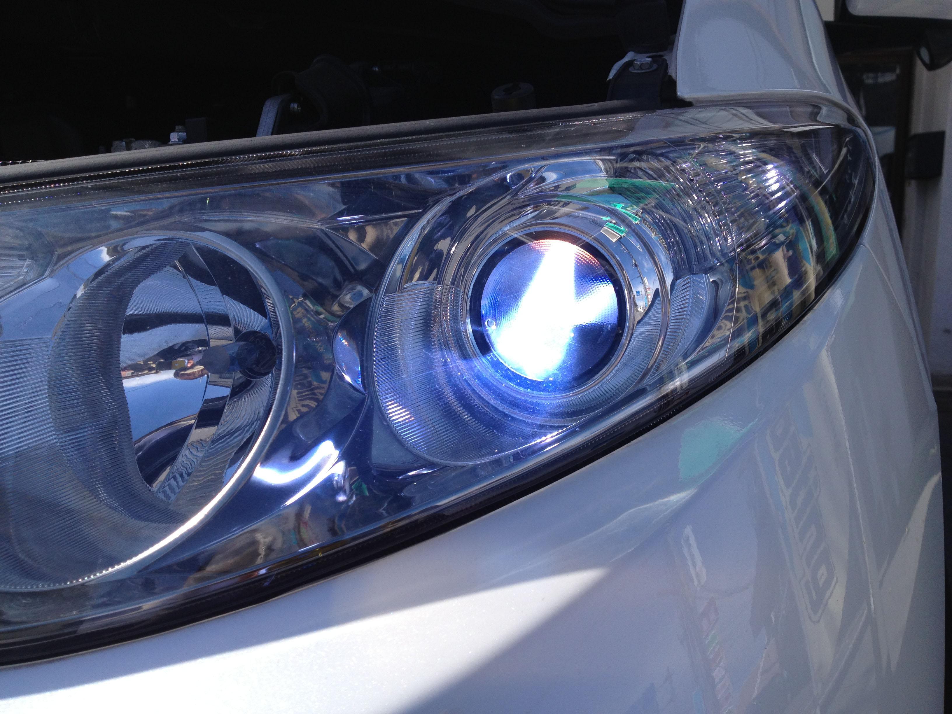 トヨタエスティマヘットライトD4S-12000K交換