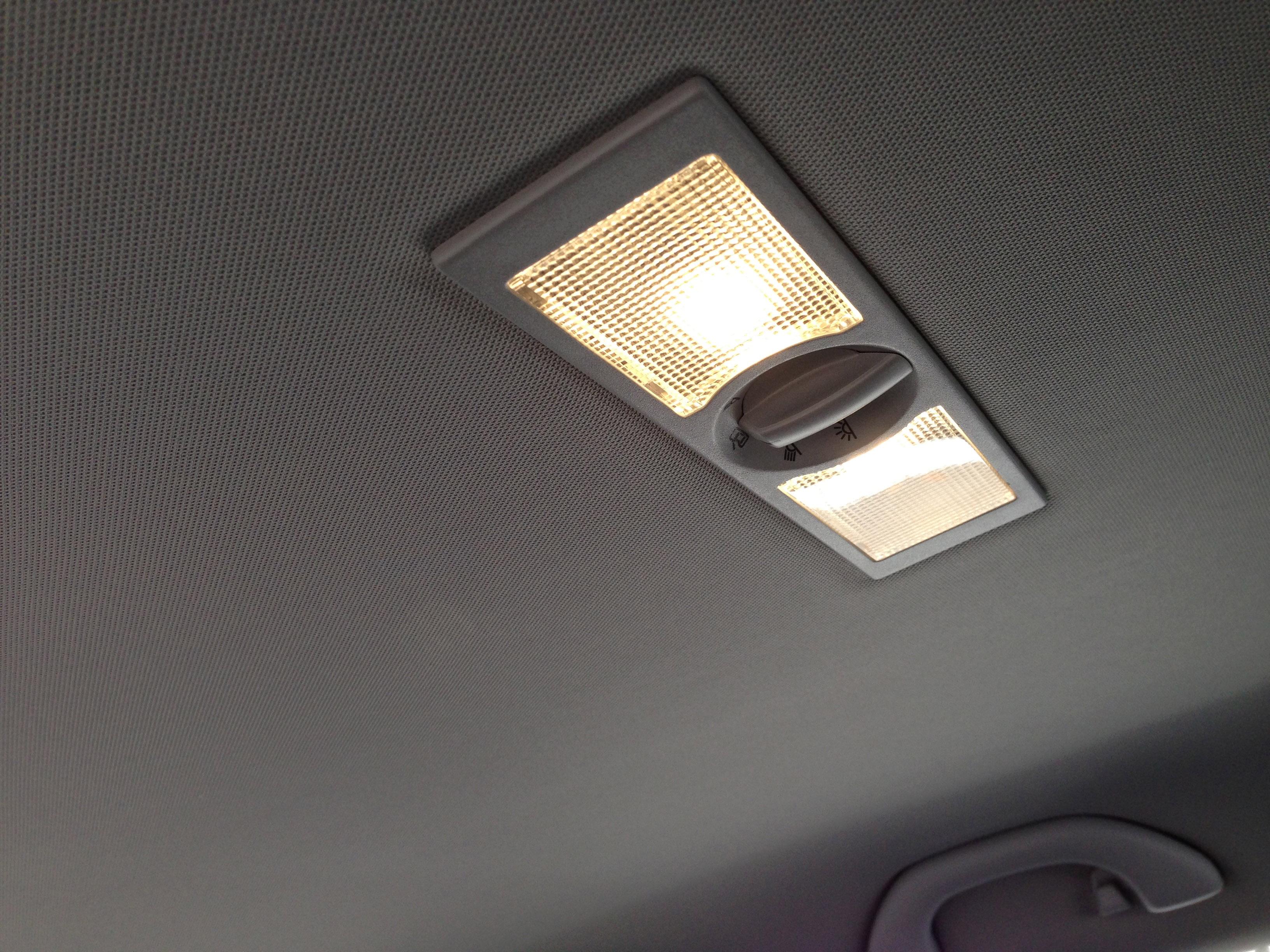 VWポロリアルームランプ電球色LED化