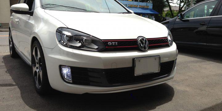 VWゴルフ6GTIのフォグランプHID化後は明るさが格段にアップしています。