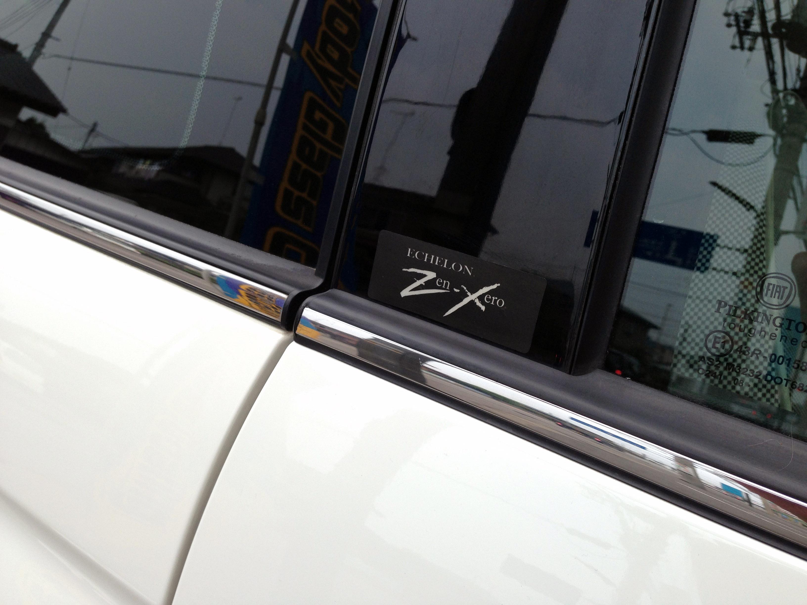 Zen-Zero施工の限定ステッカー
