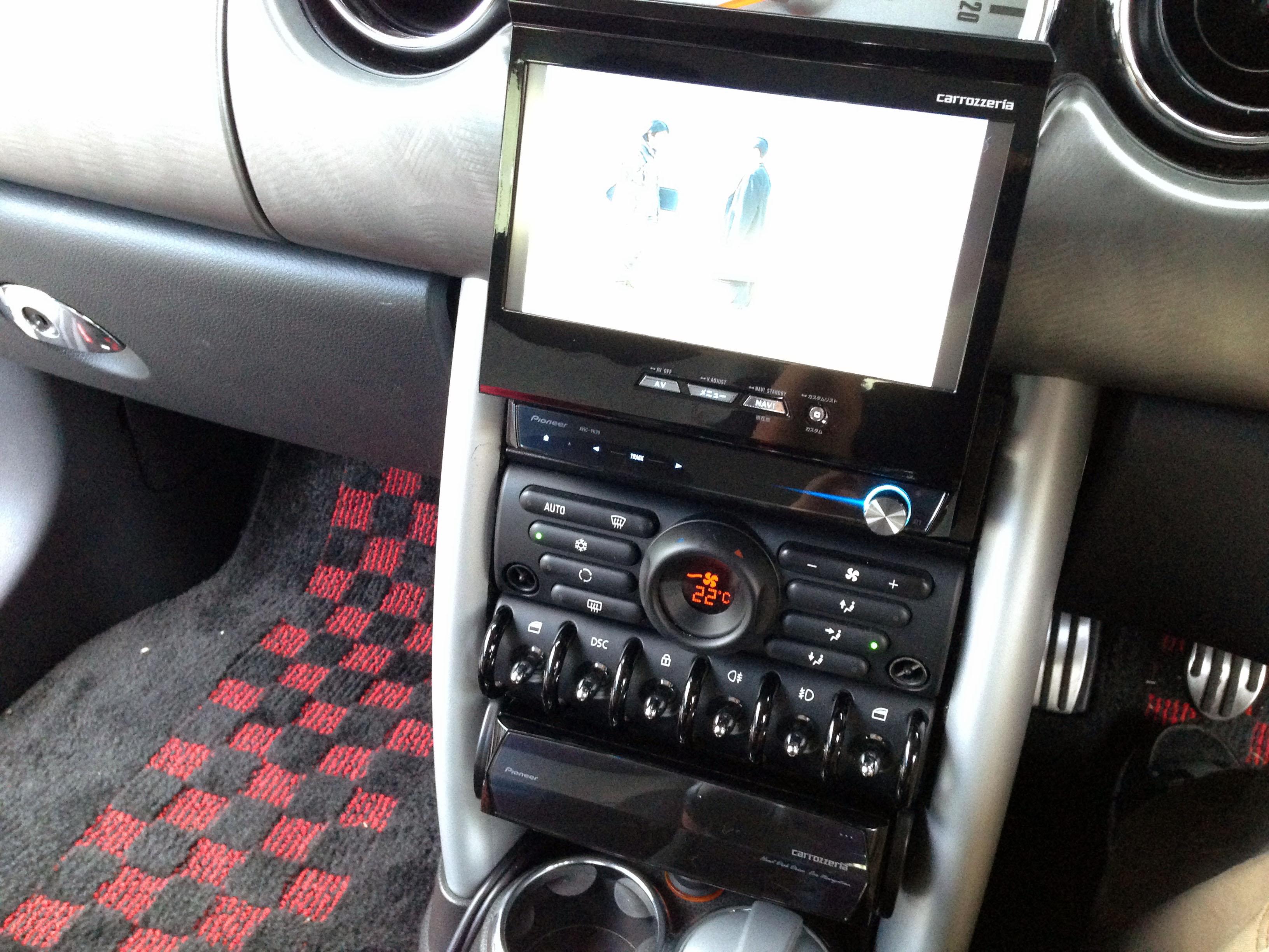 BMW-MINIへカロッツェリアAVIC-VH99CSカーナビの取り付け