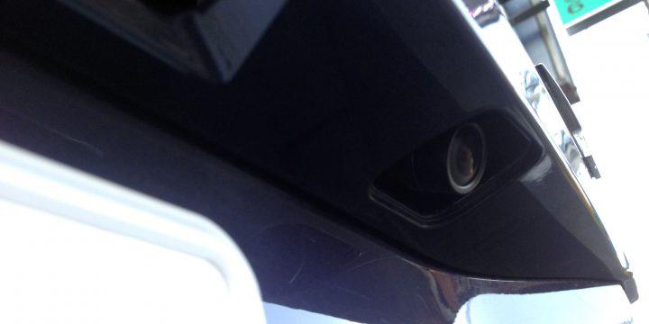 トヨタヴォクシーへバックカメラの取り付け