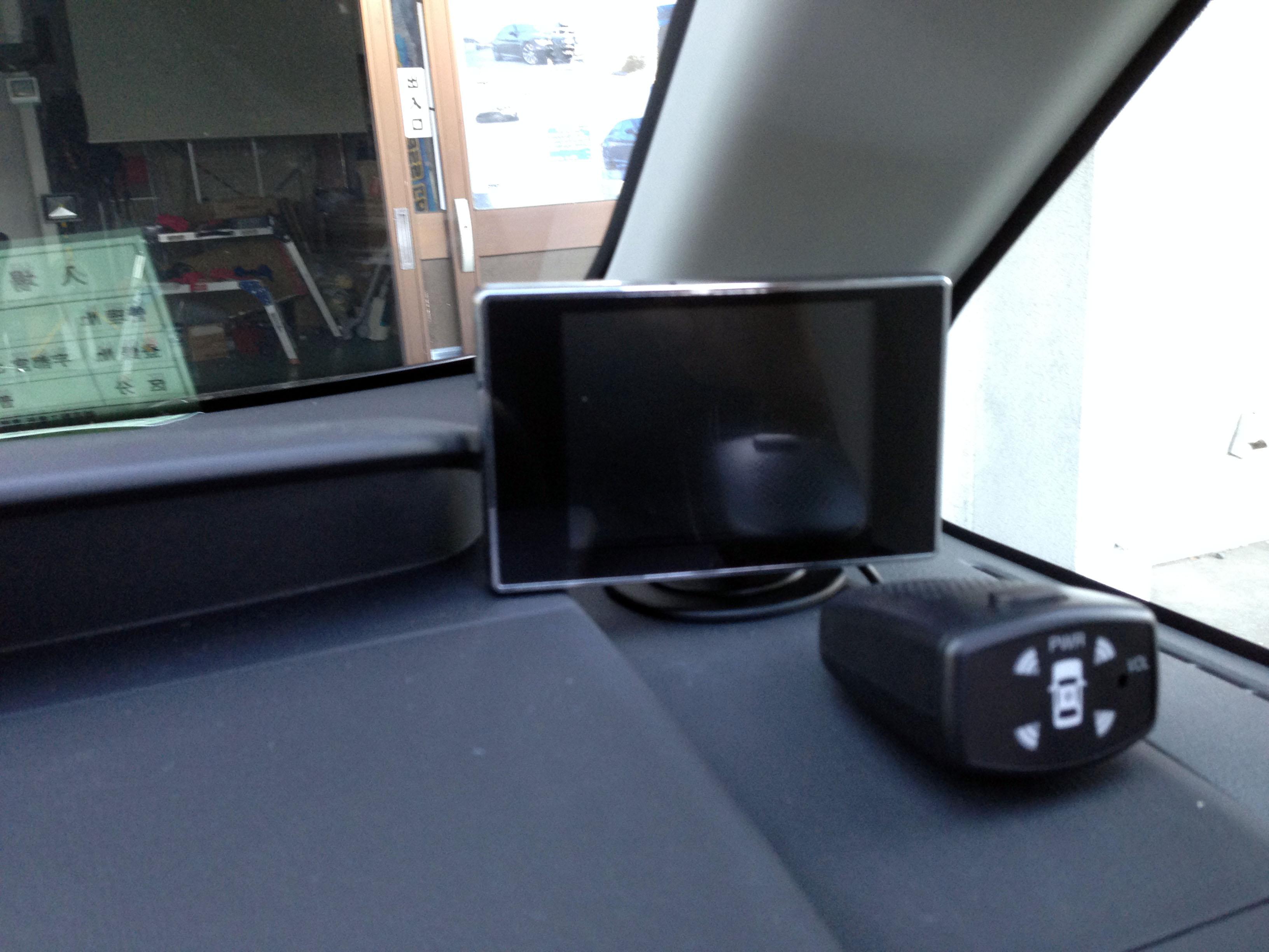 バックカメラ用モニターの設置