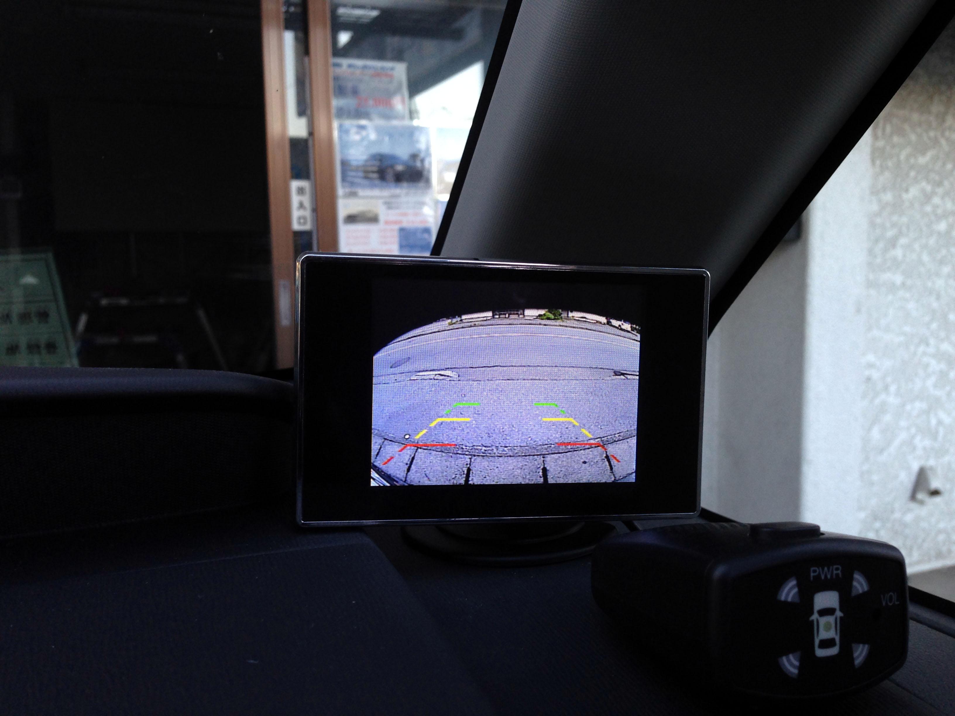 バック時のカメラ用モニターの画像
