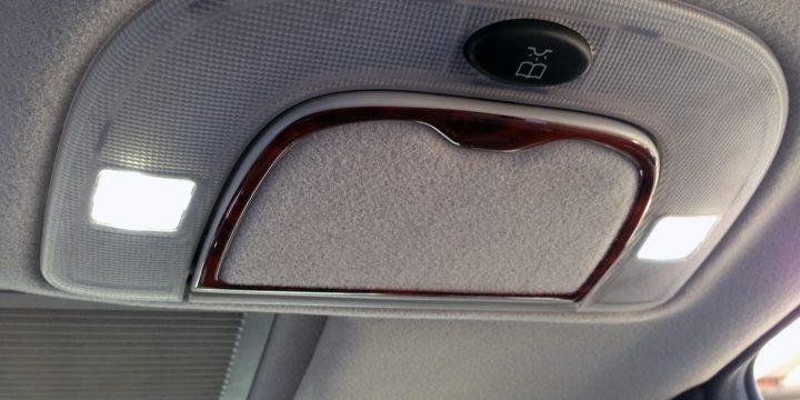メルセデスベンツW220-S500ルームランプのLED化