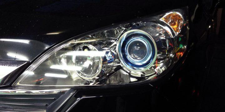 クリアーに復活したホンダステップワゴンのヘットライト