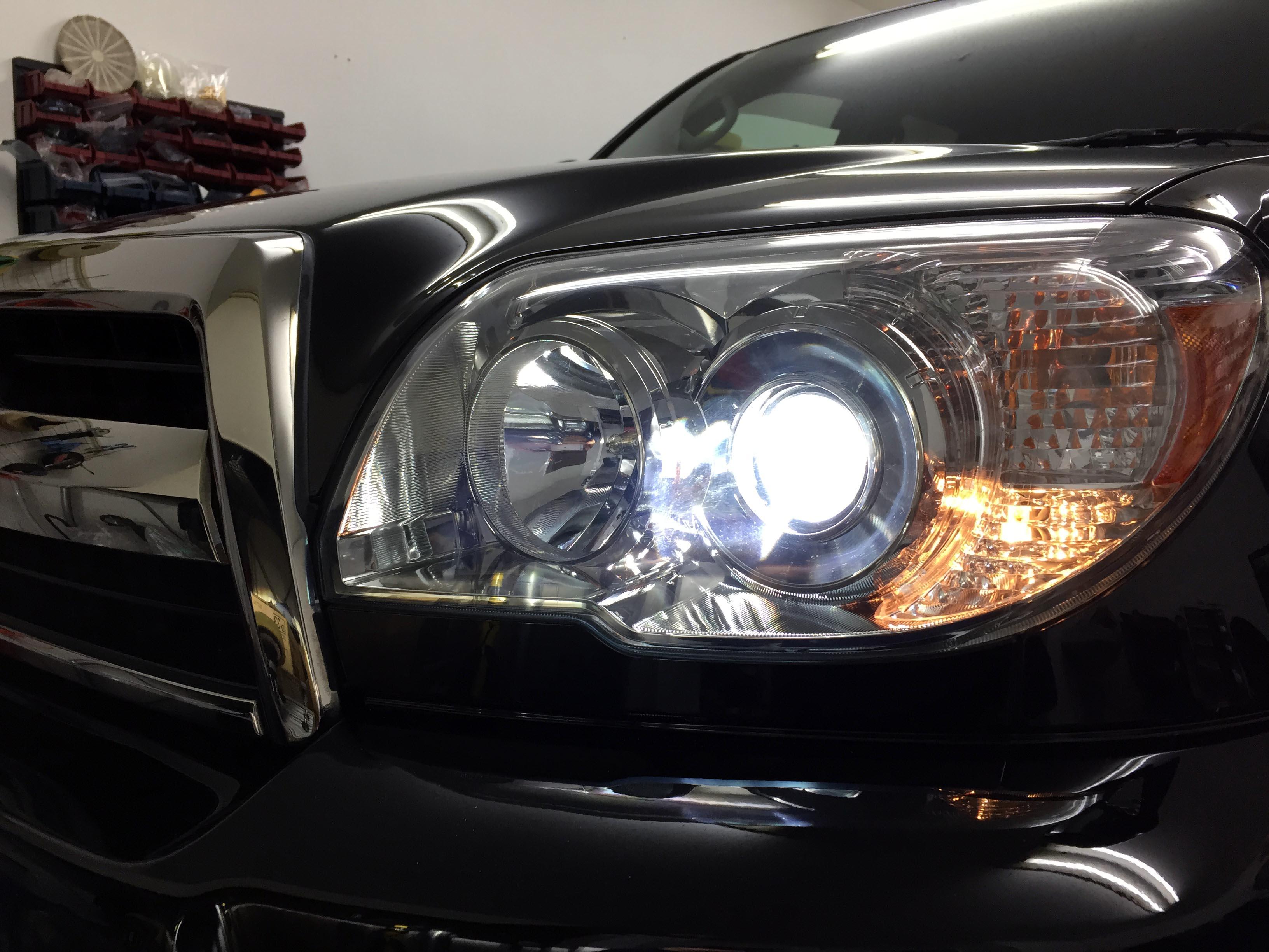 トヨタハイラックスサーフヘッドライトHID化