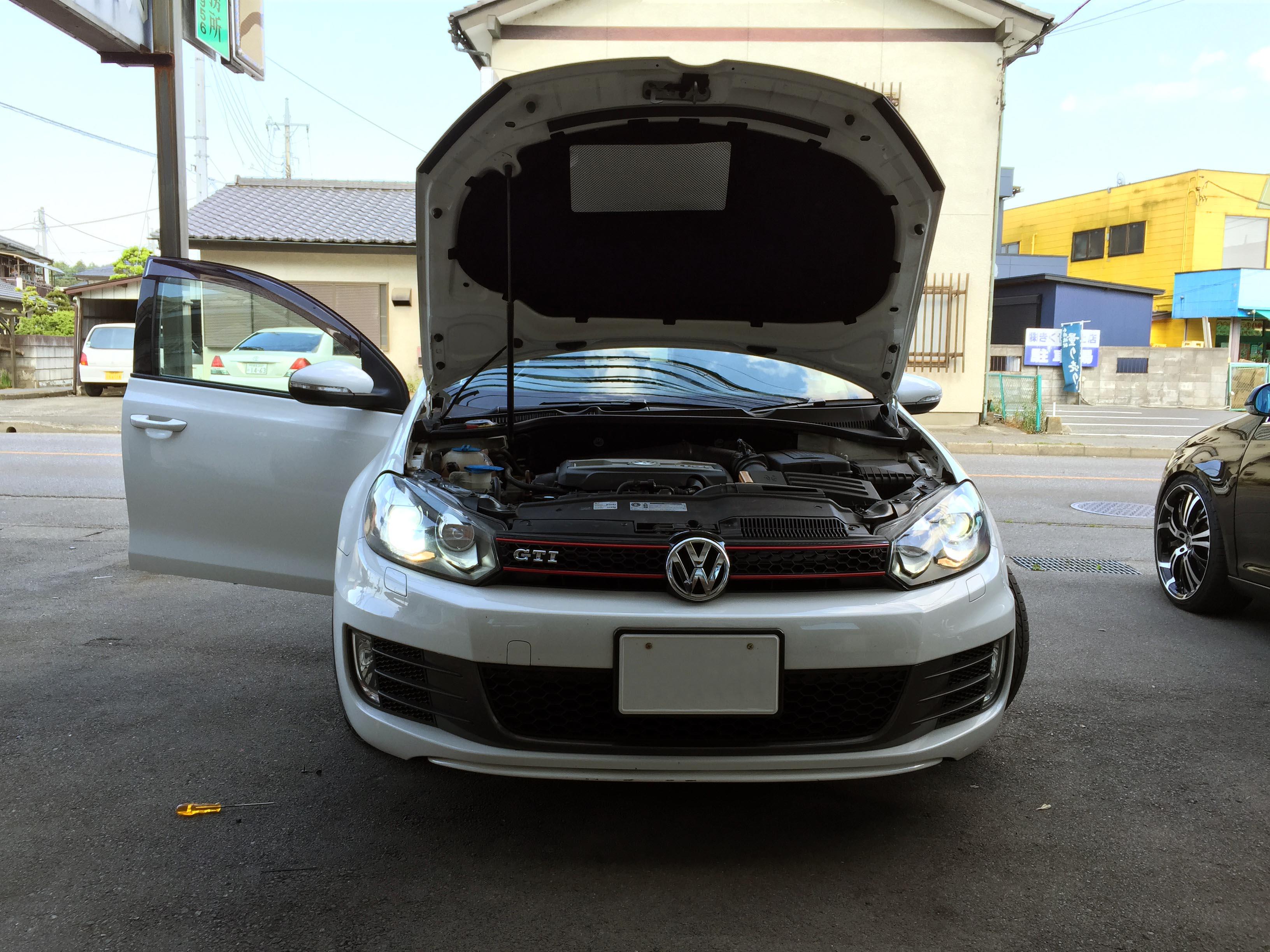 VWゴルフ6GTIキセノンヘッドライトD1S交換
