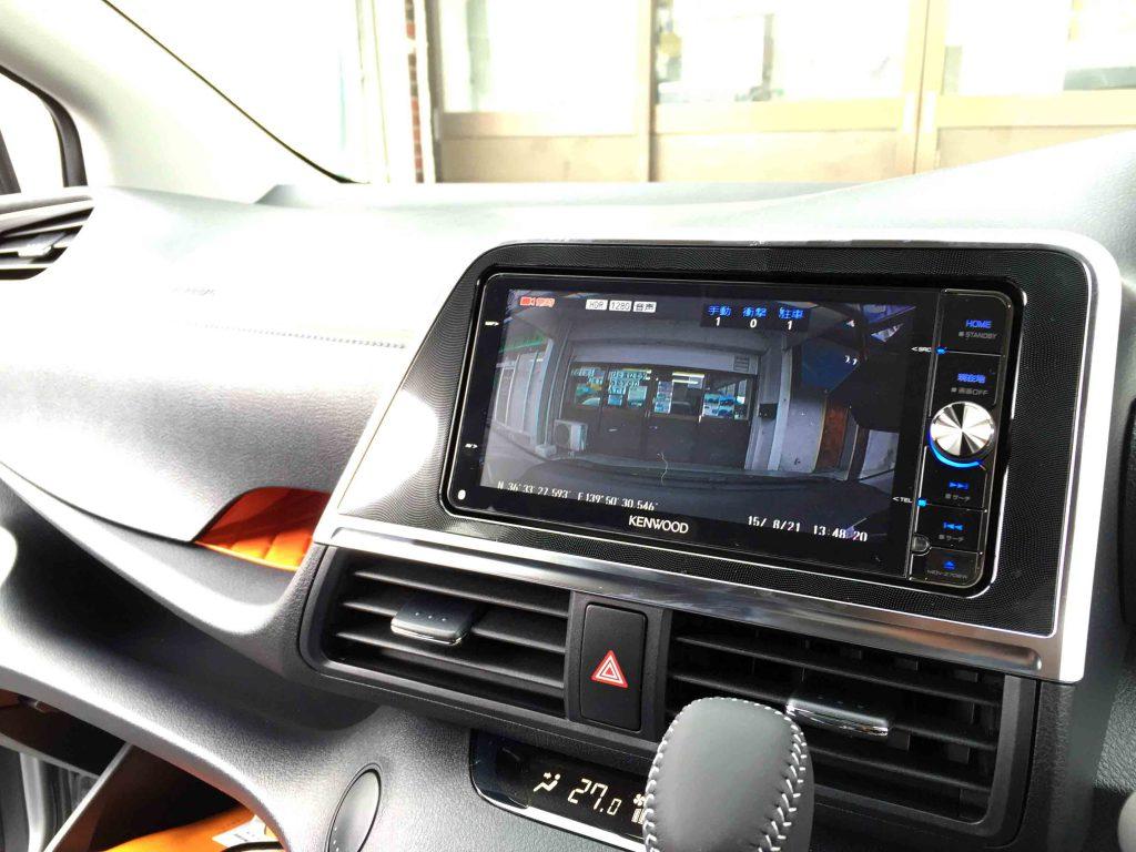 トヨタ新型シエンタへ取り付けたドライブレコーダーとナビを接続