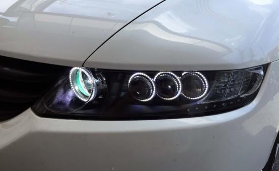 ホンダRB1オデッセイヘッドライト加工品のライト点灯時
