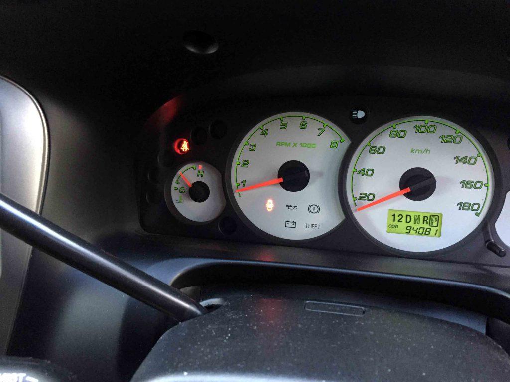 フォードエスケープのヘッドライトHID化後にハイビームインジゲーター不点灯対策を致しました
