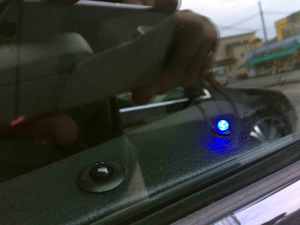 BMW3シリーズF30へクラフトマンロック音オプションのLED点灯時