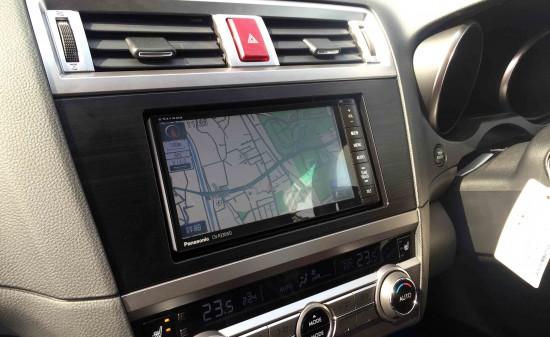 スバルBS9アウトバックへ取り付けたパナソニックCN-R330WDのナビ画面