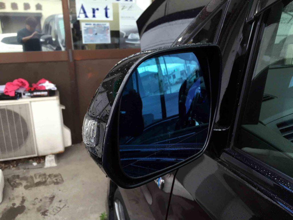 トヨタ20系ヴェルファイアに取り付けたシルクブレイズ製ウイングミラーの消灯状態