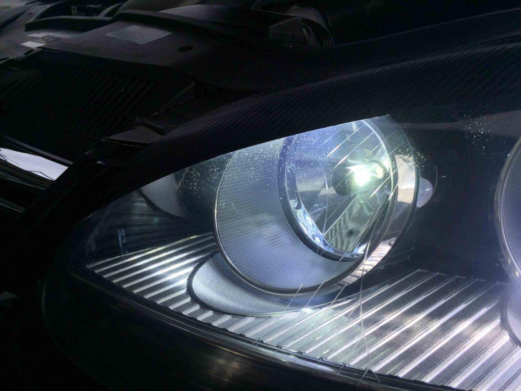VWフォルクスワーゲンジェッタハイビームはH7の片面発光タイプLEDを利用
