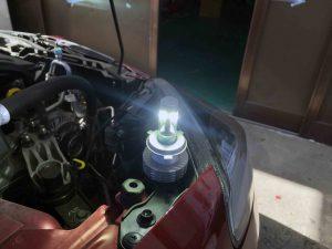 LEDヘッドランプH4の点灯試験