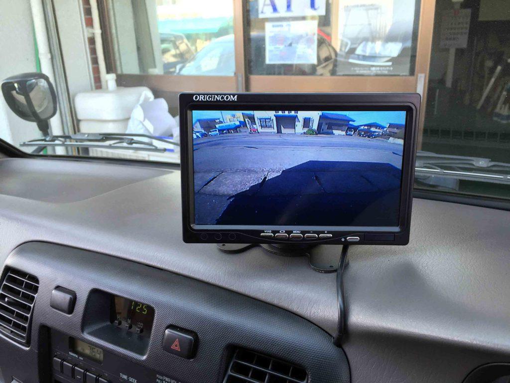 トヨタタウンエーストラックに取り付けたリアビューモニター