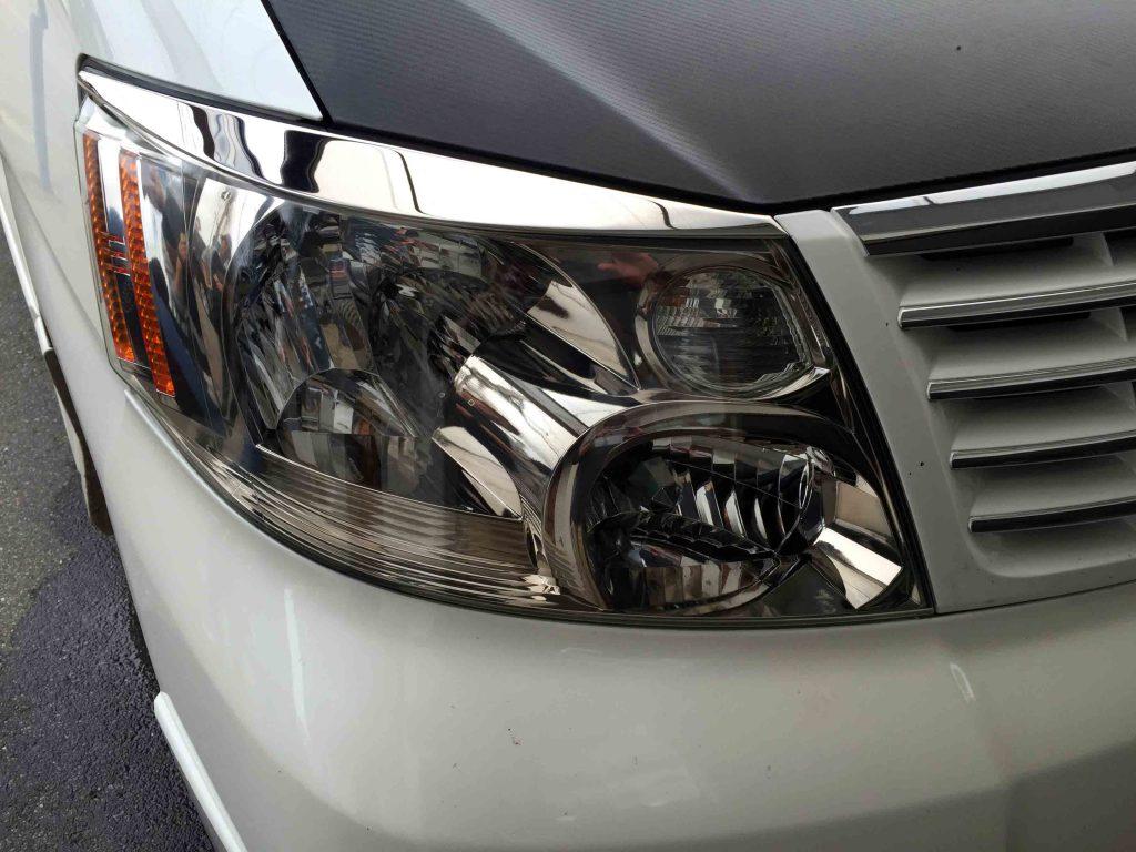 トヨタ10系アルファードのヘッドライトレンズリフレッシュ後の運転席側