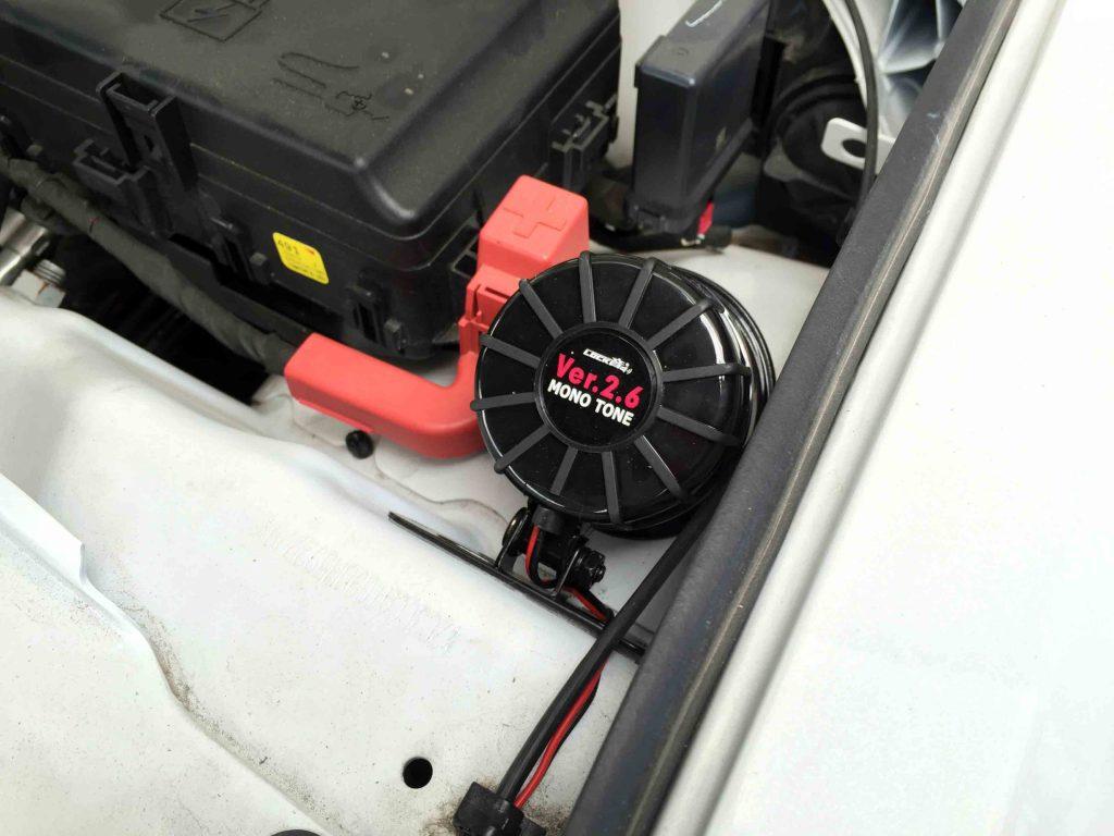 クライスラー300へ取り付けたロック音Ver.2.6のサイレン