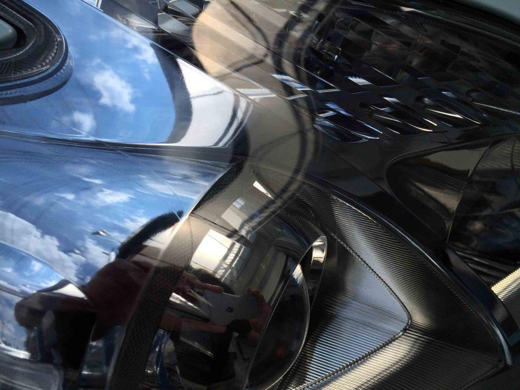 トヨタプリウスのヘッドライトリフレッシュ後はクリアーなレンズに復活