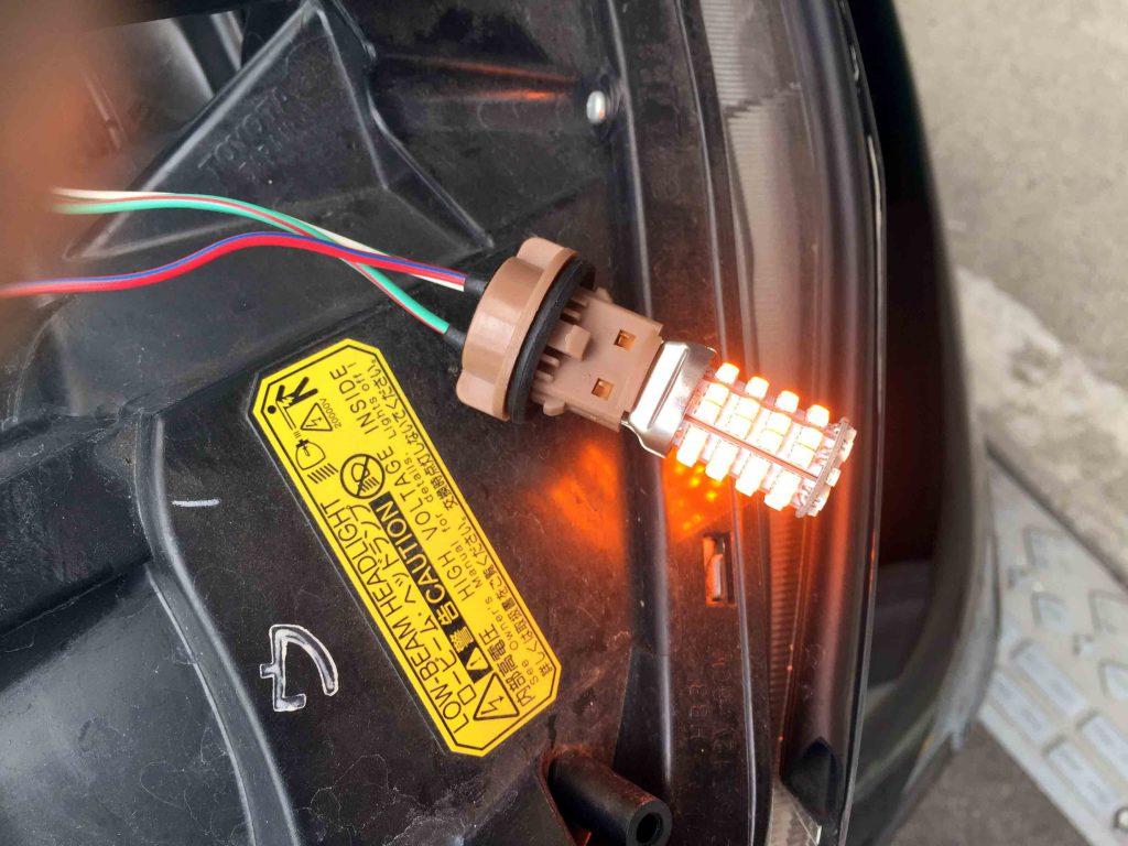 トヨタ20系アルファードのウインカーLEDバルブ点灯チェック