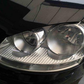 VWゴルフ5のヘッドライトリフレッシュ後(助手席側)