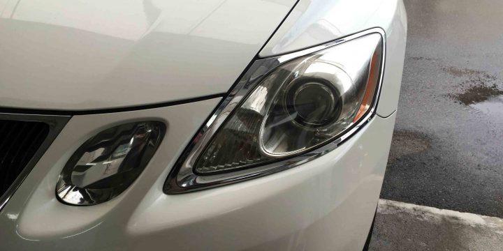 レクサスGSのヘッドライト内部もしっかり見えます