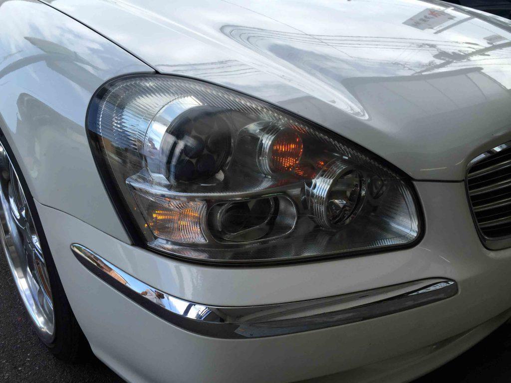 日産F50シーマのヘッドライトにウインカーポジションキットを取り付けました。