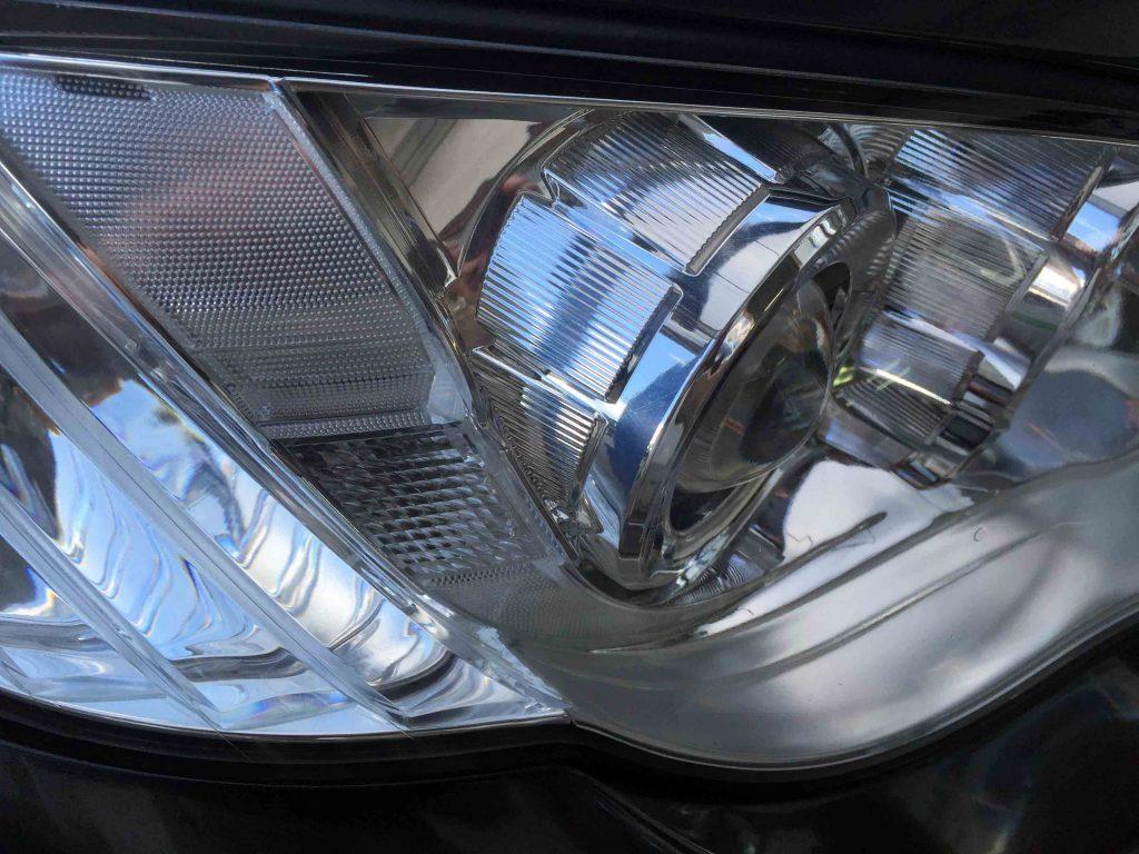 スバルBL-BP系レガシィのヘッドライトレンズの黄ばみも取れ内部もはっきりと見る事ができます