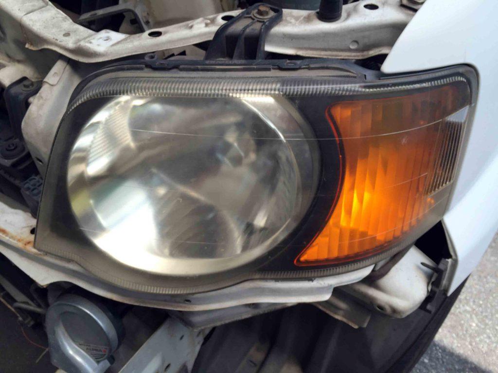 ホンダS-MXのヘッドライトレンズが劣化し黄ばみやくすみクラックが発生しています