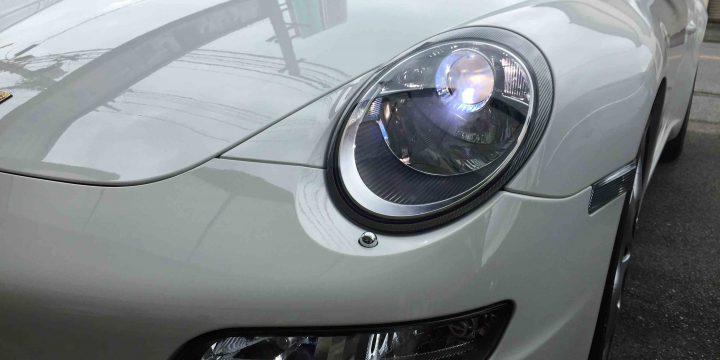 ポルシェ911(997)のヘッドライトLoビームのバーナーを6000Kバーナーに交換後。