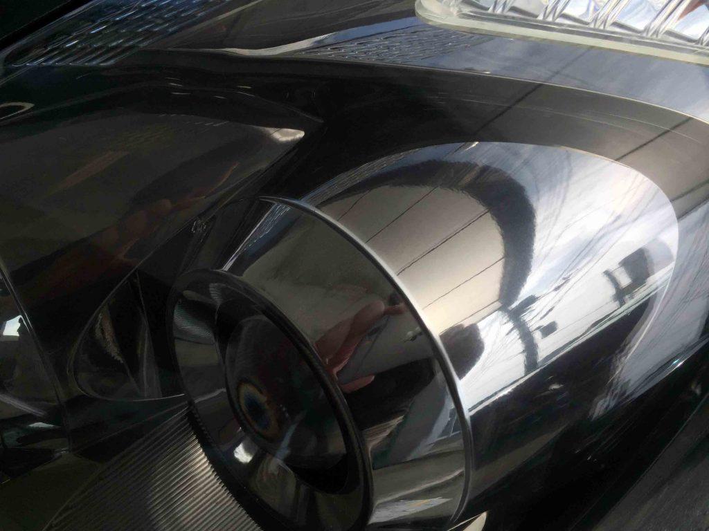 トヨタウィッシュのヘッドライトリフレッシュ後、クリアーになり内部もくっきり見えます