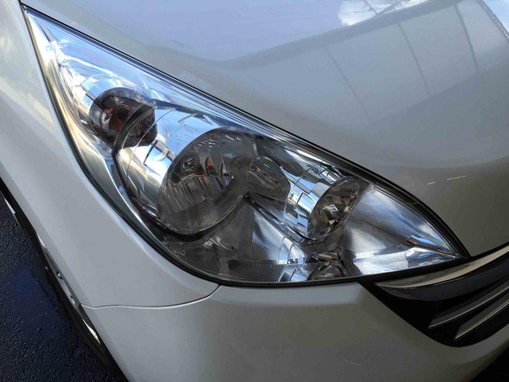 ホンダステップワゴンの黄ばんでしまったヘッドライトをリフレッシュし透明感もアップ。
