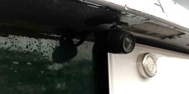 ジャガーX-typeへ取り付けた持ち込み品のバックカメラ