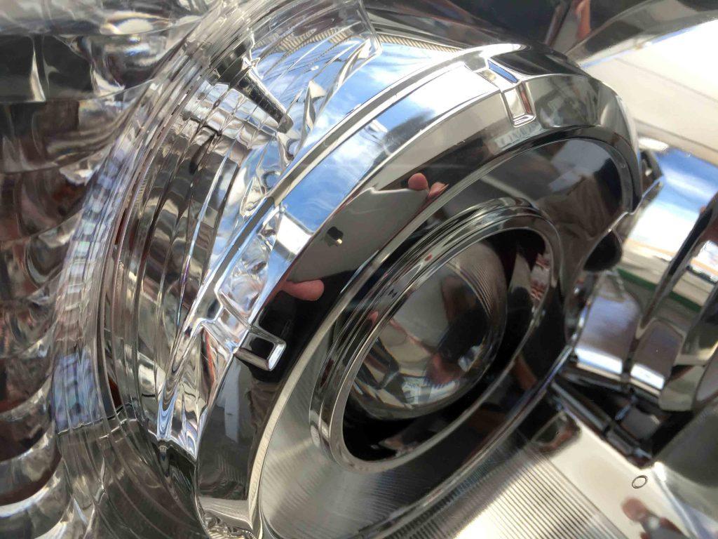 トヨタ215系ハイラックスサーフのヘッドライトのクリアー感が増し内部もくっきり見えます