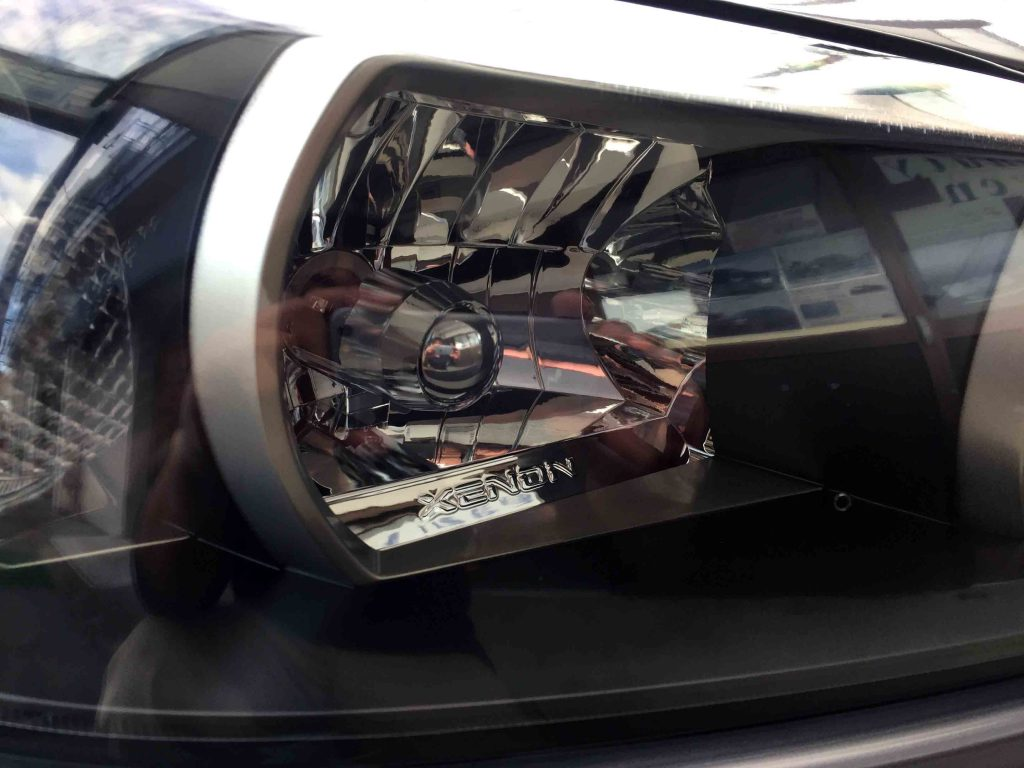 日産R34スカイラインGT-Rのヘッドライトリフレッシュ後は内部もくっきり見えます