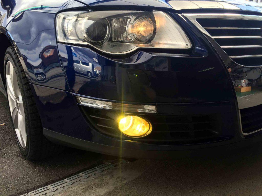 VW3CパサートのフォグランプをHID化し3000Kバーナーを点灯。