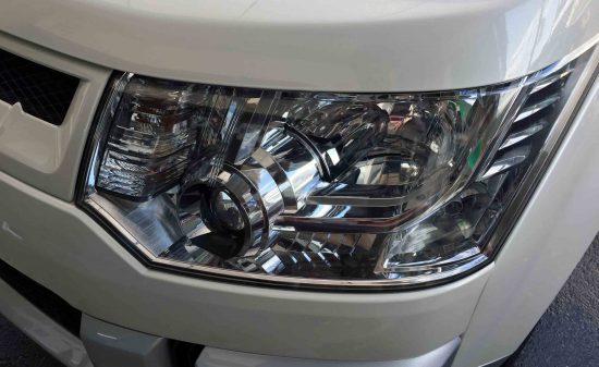 三菱デリカD5のヘッドライトリフレッシュ後は艶やかな本来のヘッドライトに復活。
