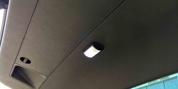 VWフォルクスワーゲン3Cパサートへ追加したリアゲートのルームランプ。