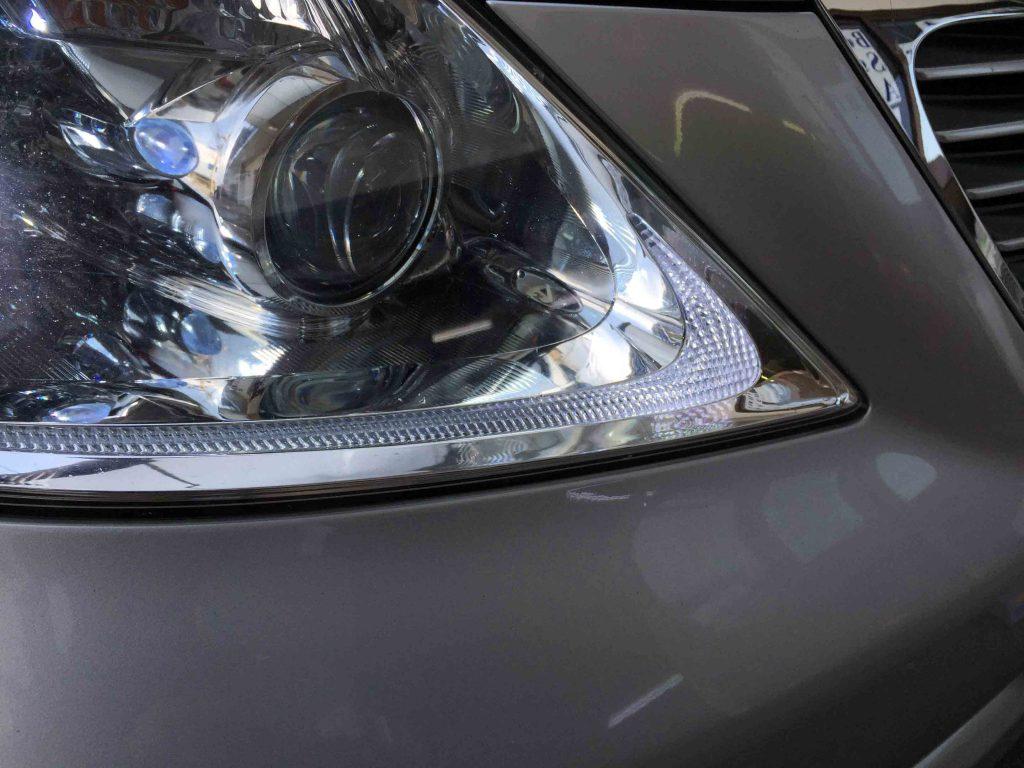 レクサスLSのポジションランプへT10-LEDバルブを取り付けました。
