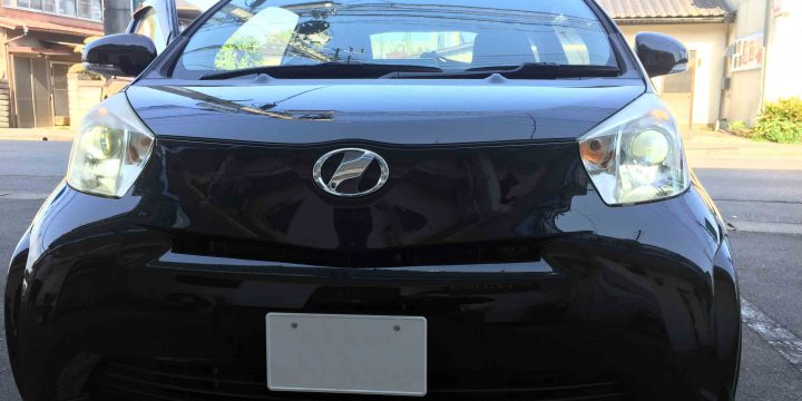 トヨタIQのLoビームへ取り付けたCREEチップ3000ルーメンタイプのLEDバルブ点灯時