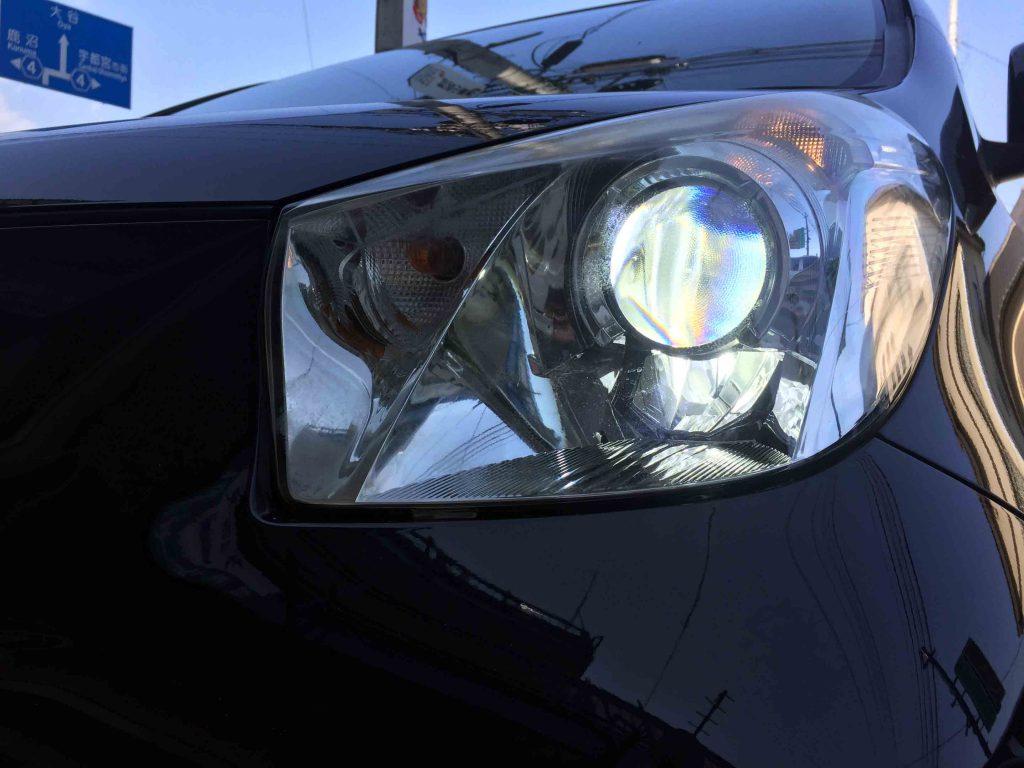 トヨタIQのLoビームLEDバルブ点灯時。