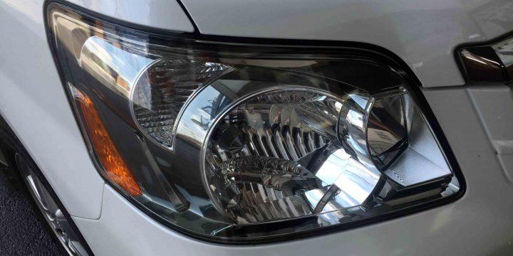 トヨタ60系ノアのヘッドライトリフレッシュ作業後は綺麗なクリアーなヘッドライトへ復活