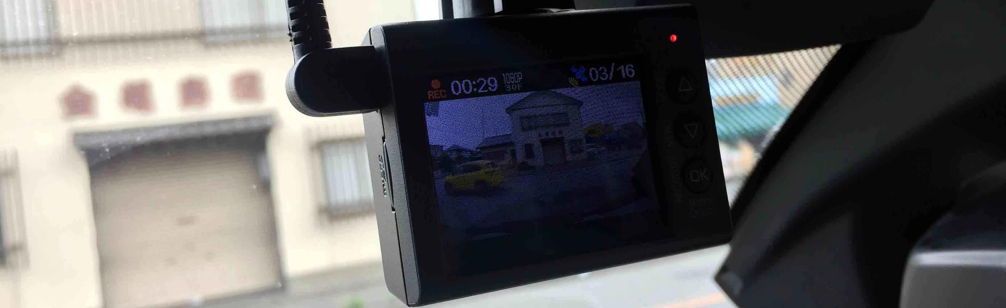 BMW X3-F25へユピテルドライブレコーダーをフロントガラスへ設置