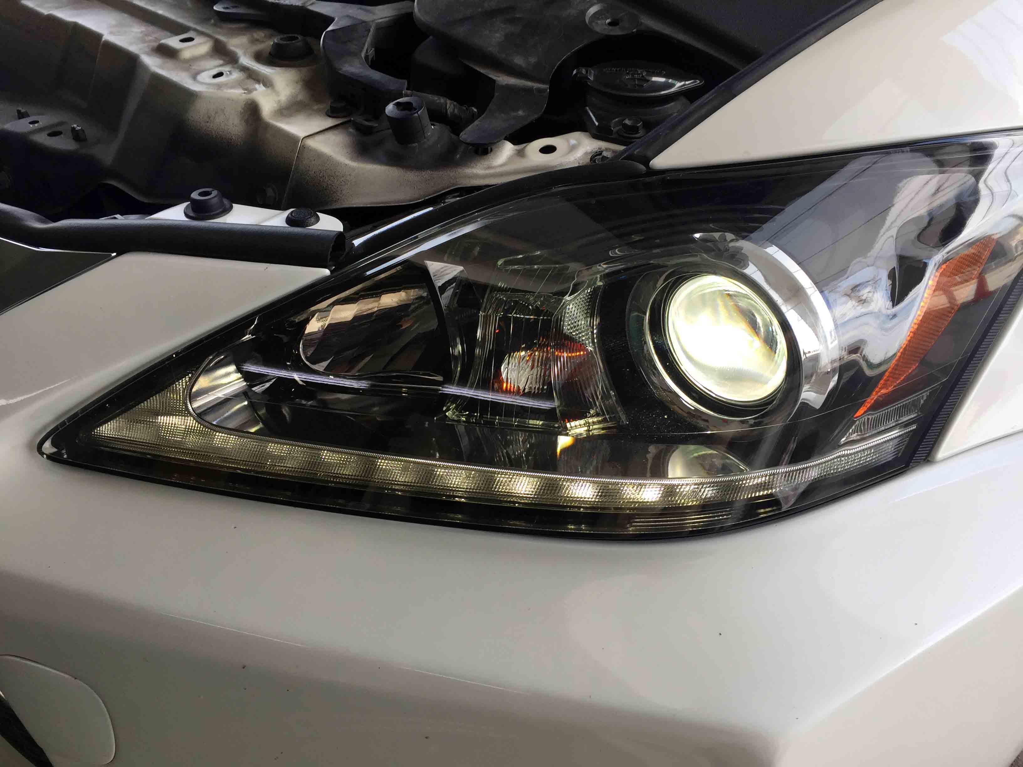 レクサスis後期ヘッドライト取り付け後Lポジや各ライト異常なく点灯します。